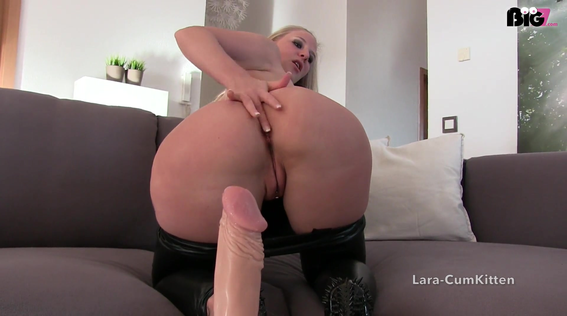 lara cumkitten anal