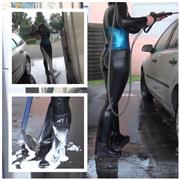 Darkbaby83 – Reitstiefel und Latex Carwash